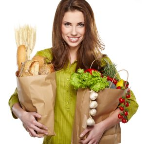woman grocery shopping in telluride co telluride.delivery official